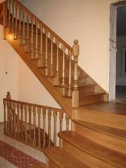 Лестницы деревянные Новосибирск для коттеджей,  домов. Изготовление.