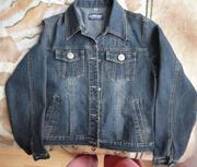 Продам джинсовую куртку Цена: 500руб.